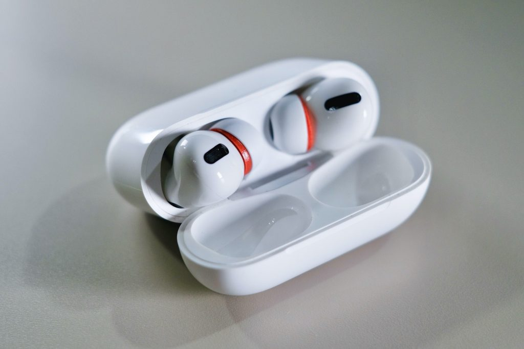 AirPods ProにCOMPLYをつける方法